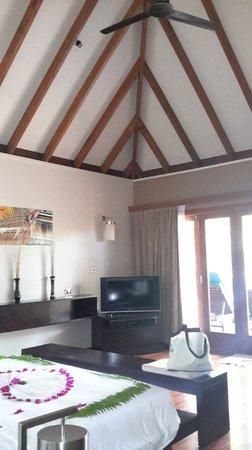 Veligandu Island Resort & Spa: Playa