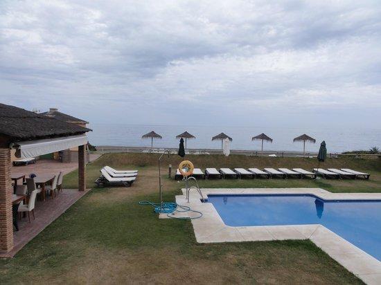 Hotel Axarquia Beach