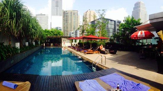 Park Plaza Bangkok Soi 18 : Pool