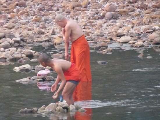 Muang La Lodge: River Life 1