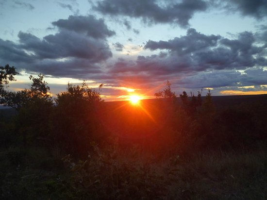 Ant's Hill & Ant's Nest: One of many stunning sunsets