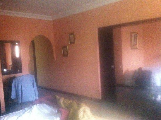 Hotel Marrakech le Semiramis: chambre spacieuse avec une tres belle vue