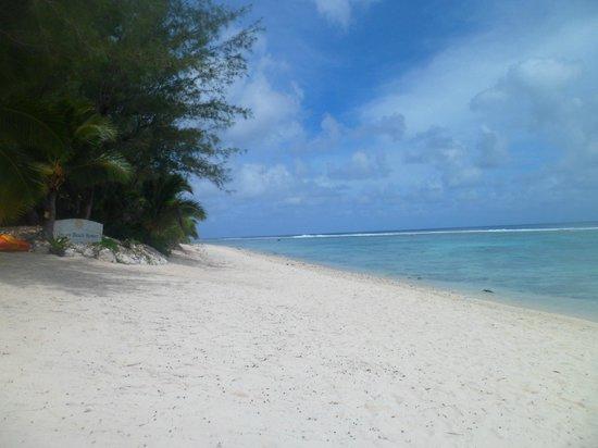 Crown Beach Resort & Spa : beach
