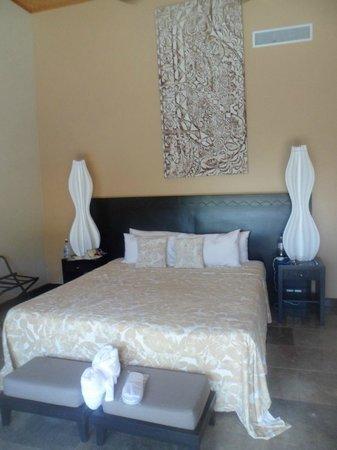 Crown Beach Resort & Spa : Courtyard Pool suite
