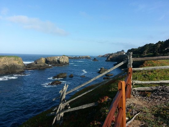 Heritage House Resort : View from Walking path up the Pacific Coast