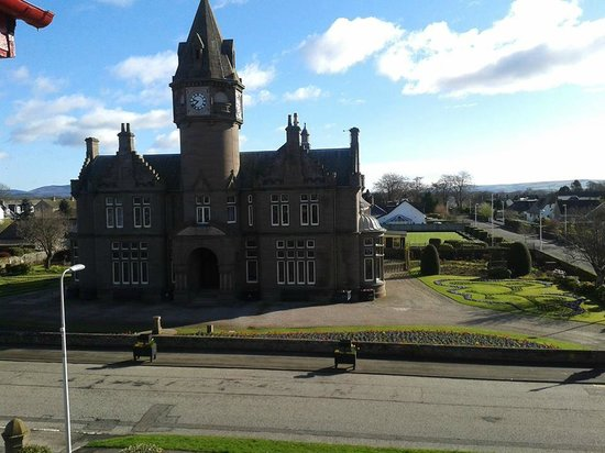 Glenesk Hotel: The view from the front bedrooms