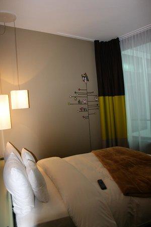 25hours Hotel Zurich West: otra fote de la habitacion