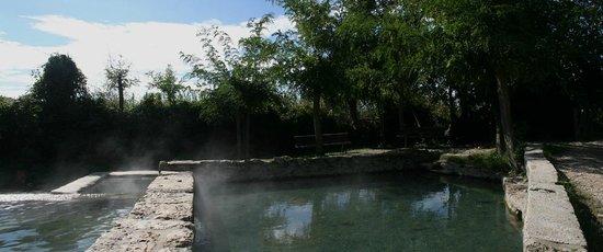 Сан-Кашано-дей-Баньи, Италия: Bagno Grande - vasche