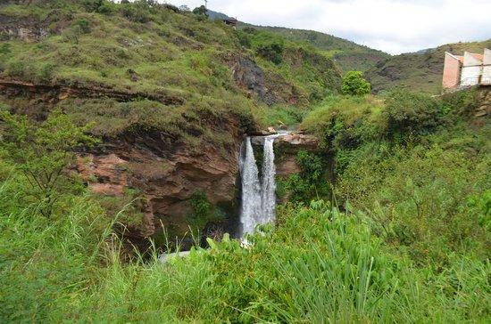 Trem da Vale – Ouro Preto e Mariana: Cachoeira Bigode do Chinês