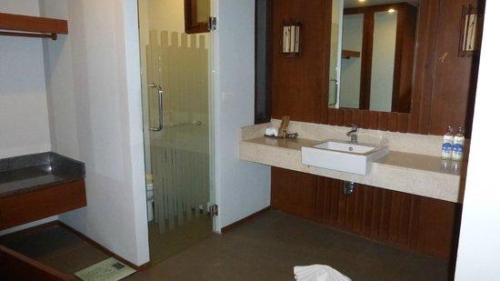Maehaad Bay Resort: salle de bains