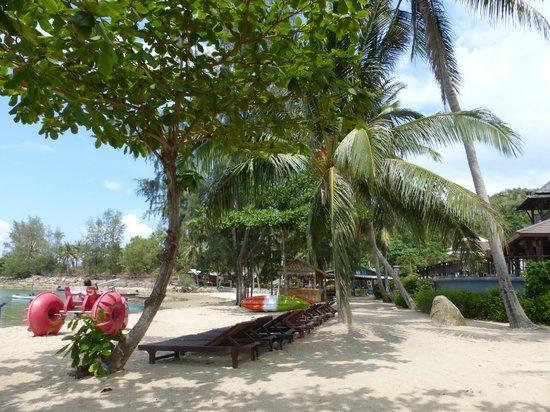 Maehaad Bay Resort : plage