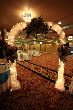 E Hotel Banquet & Conference Center: Grand Ballroom