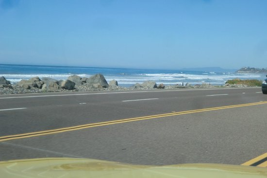 Harpoon Henry's Seafood Restaurant : On Pacific Coast Highway going to the Restauant