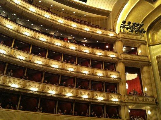 State Opera House : multi storey boxes