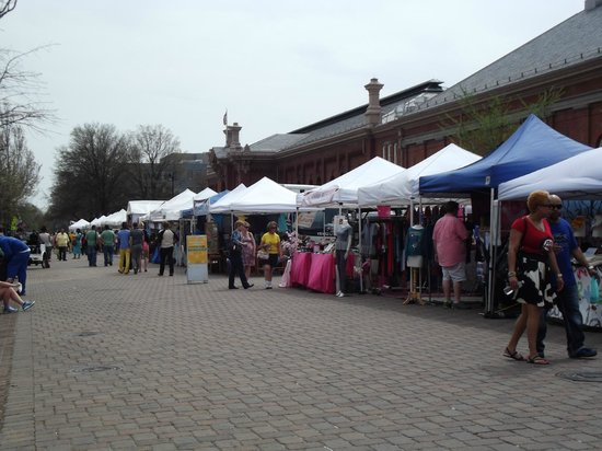 Eastern Market: looking down the row of crafters