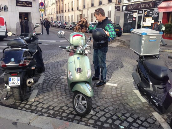 Paris by Scooter : 1