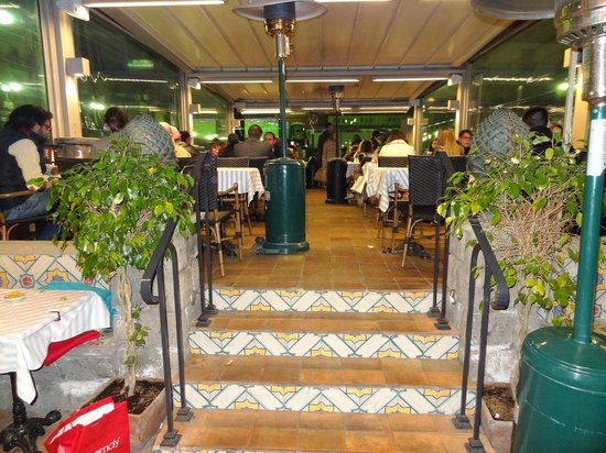 Syrenuse: View from inside of restaurant.