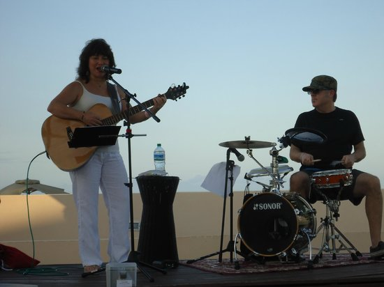 Club Med Cancun Yucatan : Great LIVE entertainment daily on the beach!