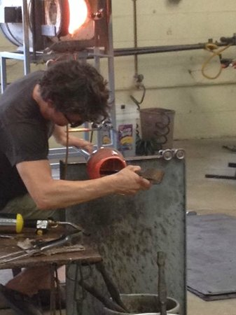 Sunspots Studios & Glassblowing : What was a blob is almost a bowl.