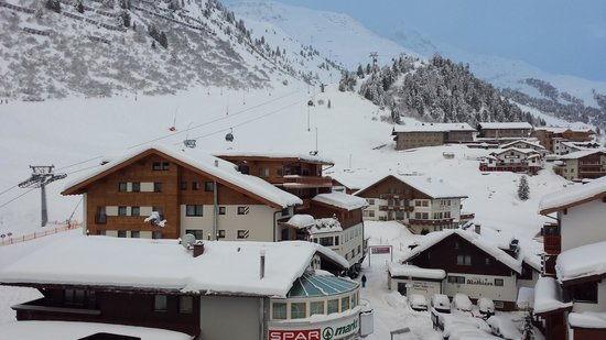 Hotel Edelweiss & Gurgl: view from my room.