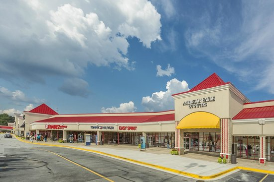 One or more outlets malls are present in Locust Grove. The outlet malls are one or more stores in which the brand manufacturer sell directly to the public. This may or may not be attached to the production house or a warehouse (the current malls are usually unattached).