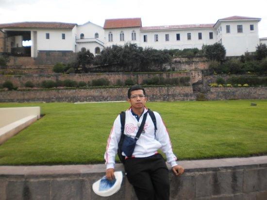 Centro Historico De Cusco: Visita ao Centro Histórico, ao fundo Qoricancha