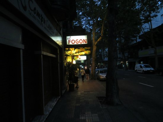 El Fogon from street level