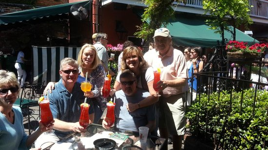 Holiday Inn New Orleans - Chateau Lemoyne : Our first hurricanes at Pat Obrien's