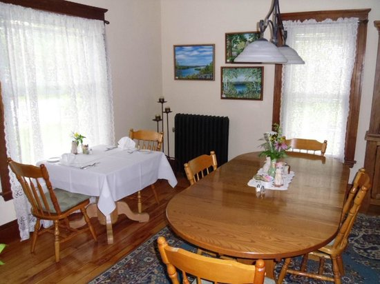Haven Guest House Bed & Breakfast: Enjoy your breakfast in our dining room