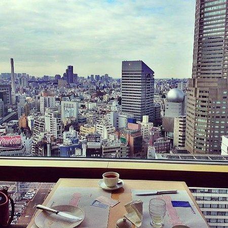 Shibuya Excel Hotel Tokyu: Amazing Breakfast view!