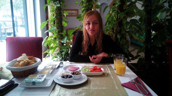 Sultan Mehmed Hotel : Desayunando
