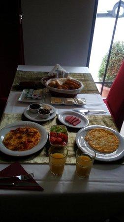 Sultan Mehmed Hotel : Desayuno