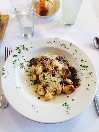 Il Postale: Gnocchi with parmesan cheese