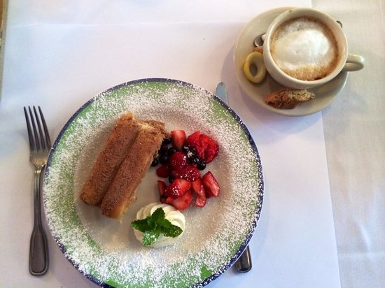 Il Postale: Great tiramisu, tastes home made, nicely presented