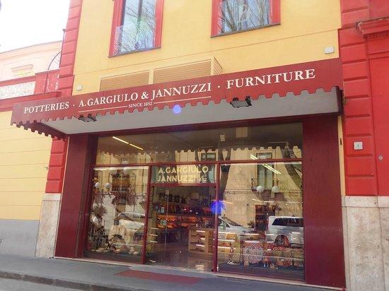 Il Vallone dei Mulini : Gargiulo & Jannuzzi wooden-inlaid shop on corner.