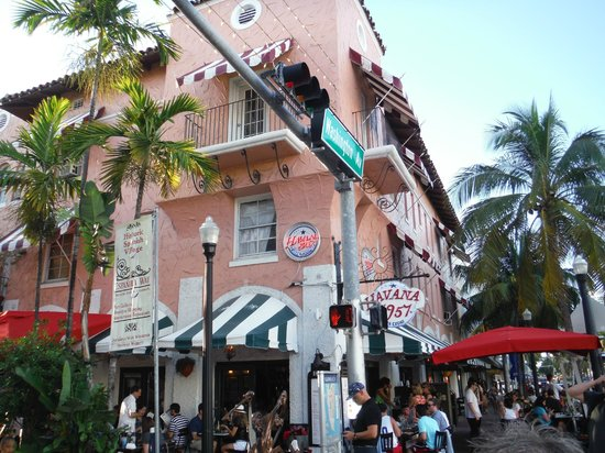Miami Culinary Tours - Private Tours: Lovely Street Shot from South Beach