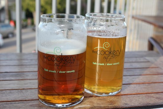 The Cookery Restaurant & Wine Bar: Delicious beers on the terrace!