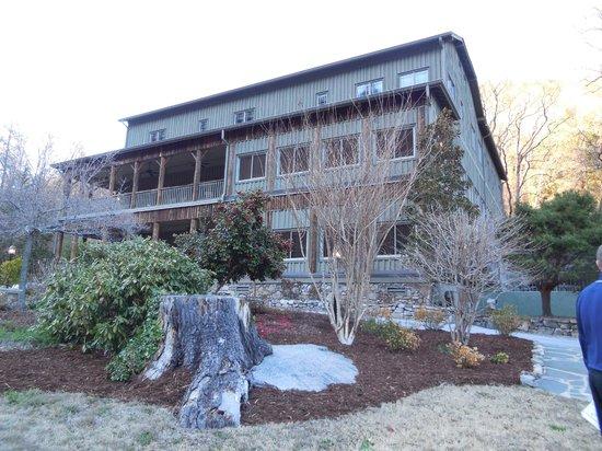 The Esmeralda Inn : View of the inn