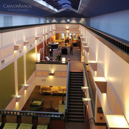 Canyon Ranch in Lenox: spa and fitness center lobby
