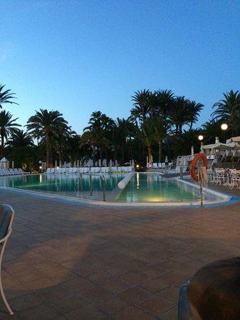 Hotel Riu Palace Oasis: Pool area