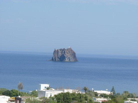Ristorante da Luciano's: vue de la terrasse sur Stromboliccio