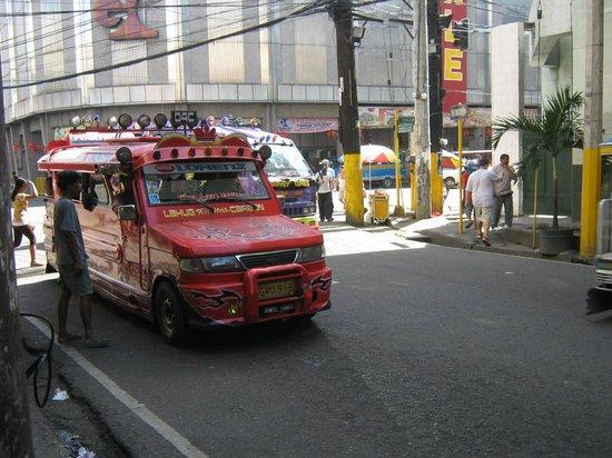 Улицы Себу около Cebu Business Hotel