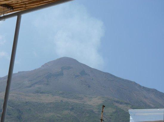 Ristorante da Luciano's: vue sur le volcan  de la terrasse
