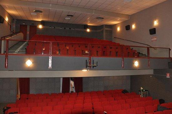 Cinema Teatro Contardo Ferrini: cinema Contardo Ferrini