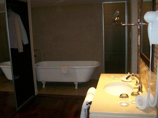 Kenton Palace Buenos Aires: Banheiro
