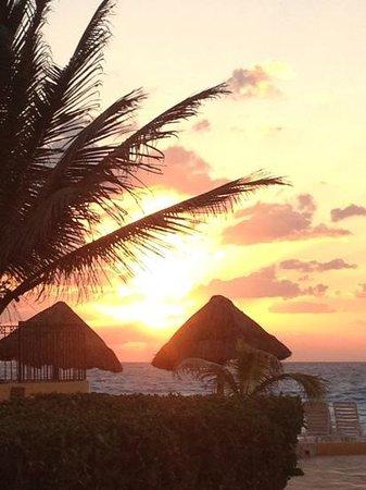 Fiesta Americana Condesa Cancun All Inclusive: sunrise