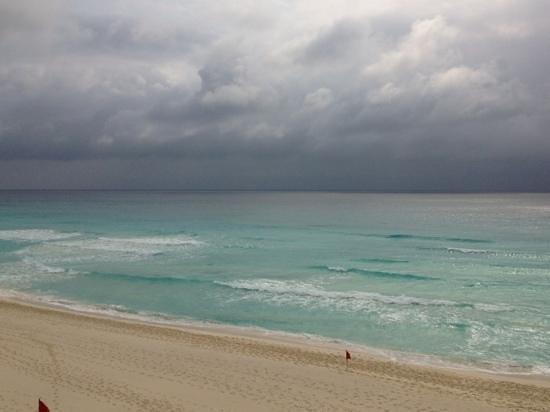Fiesta Americana Condesa Cancun All Inclusive: thunderstorm