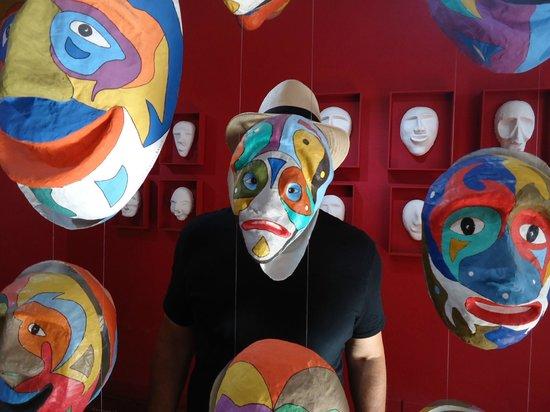 Casa da Cultura de Paraty: Exposição de Mascaras