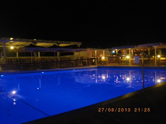 Nautica Bay Hotel : pool area by night