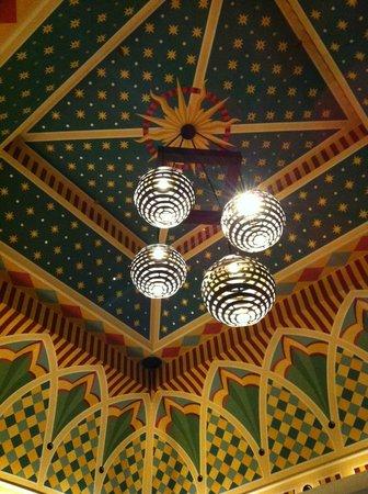 Kimpton Hotel Monaco Denver : The art deco-style lobby